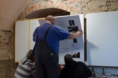 Einrichten des neuen Inforaumes im Mai 2013