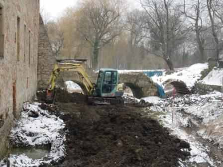 Kampfmittelbeseitigungsdienst untersuchte den nördlichen Teil des Oberauer Schlossteiches