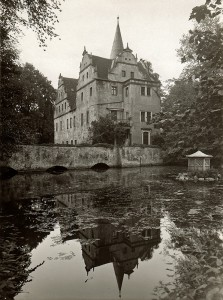 Wasserschloss-Oberau-von-Traudel-Keil-09-2004_1