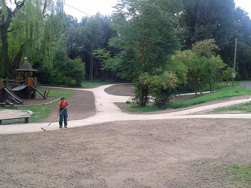 Erneuerung der Parkwege des Schlosses