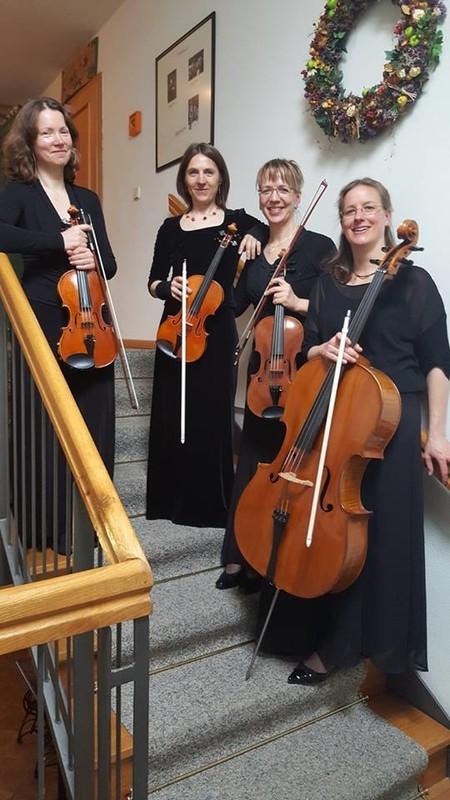 Carola Bachmann (Violine 1), Susanne Knappe (Violine 2), Gabriele Kröhnert (Viola) und Sandra Bohrig (Violoncello)
